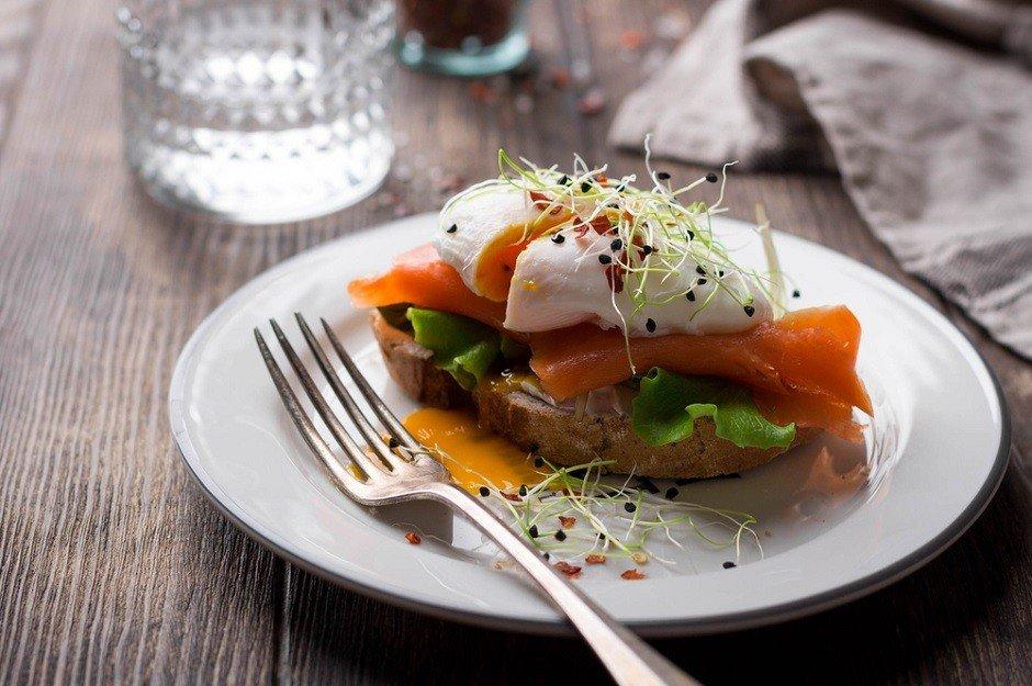 Pratik ve lezzetli Tulum Peynirli Somon tarifi!  - shutterstock 624204569 - Pratik ve lezzetli Tulum Peynirli Somon tarifi!